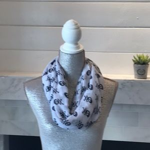 Accessories - Light Weight Infinity Skull Scarf - Preloved!